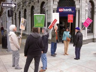 US Bank picketing tree removal